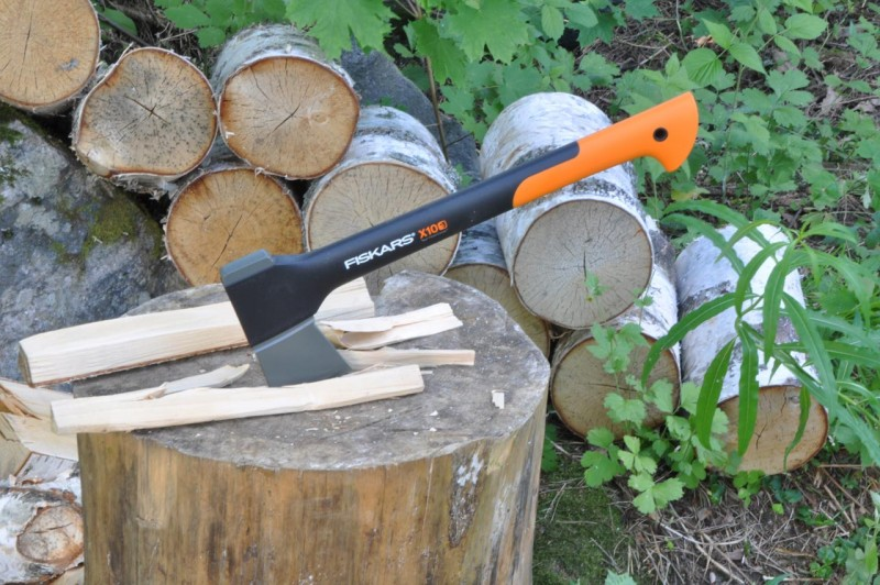 Fiskars Carpenters Axe X10: